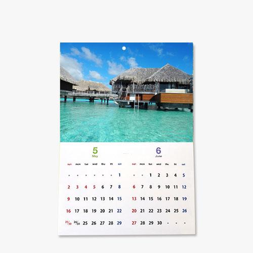 オリジナル壁掛けカレンダー(中綴じ製本)